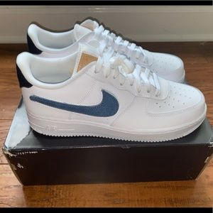 Nike Air Force 1  swoosh pack white vachetta. 10.5